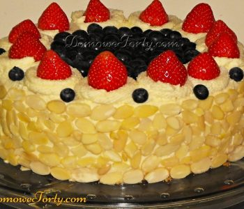 Tort śmietanowy z owocami
