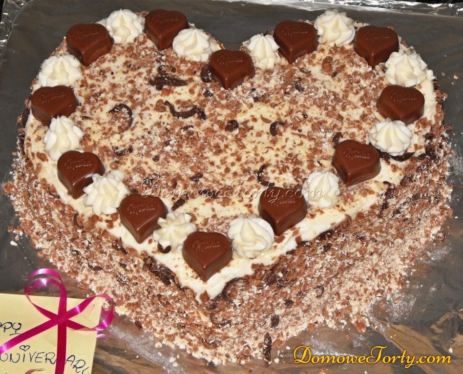 Tort śmietanowy serduszko