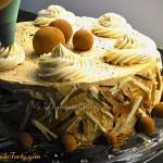 Tort Baileys w czasie zdobienia