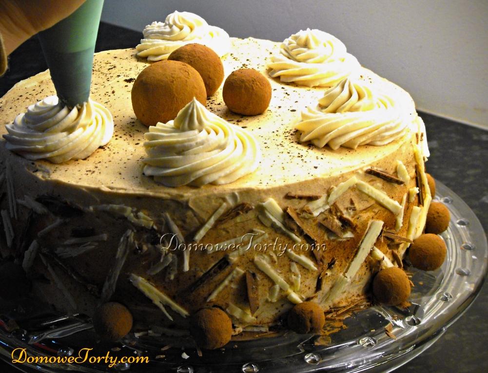 DomoweTorty - Tort z likierem i marcepankami