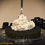 Tort oreo - przekladanie