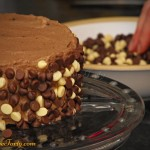 Tort wyjatkowo czekoladowy - zdobienie
