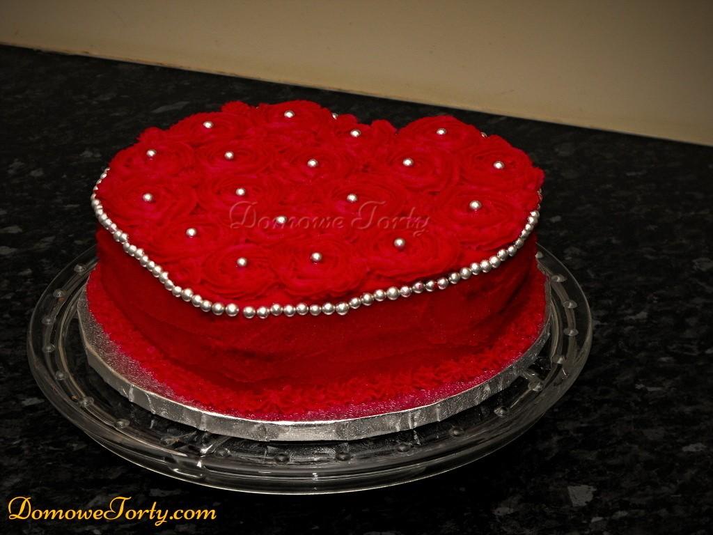 Tort serduszko-rozyczki.