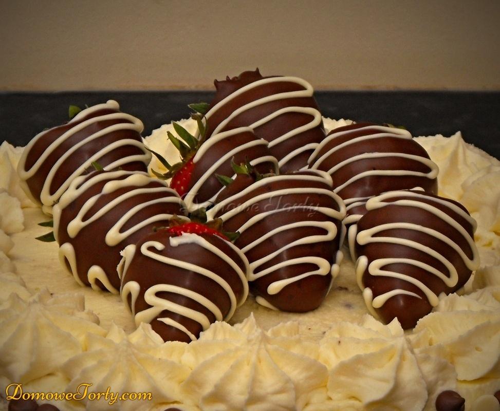 Truskawki w czekoladzie - tort