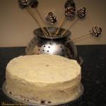 Tort czekoladowy z truskawkami