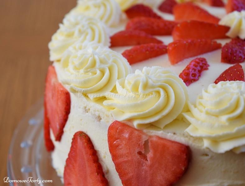 Tort truskawkowy przez Domowe Torty